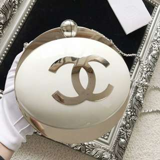 Chanel planet