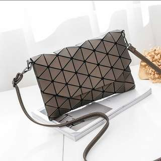 BNIB Geometric diamond rhombic shoulder sling bag