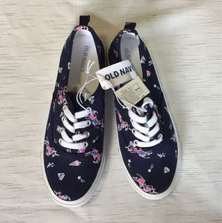 OLD NAVY lace-up sneakers for girls 2Y