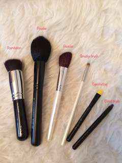 Beginner Makeup Brush