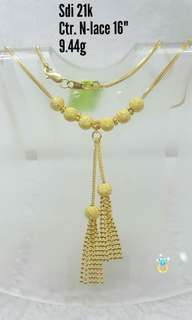 gold center necklace