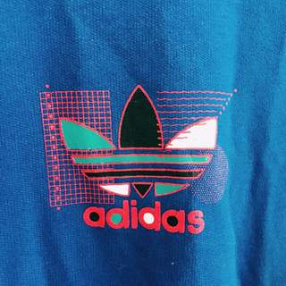 Vintage Adidas 90s Logo Crew Neck Jumper W/ Striped Sleeves