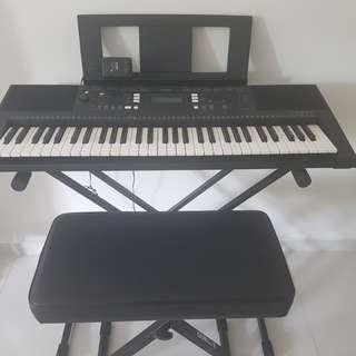 Yamaha keyboard set