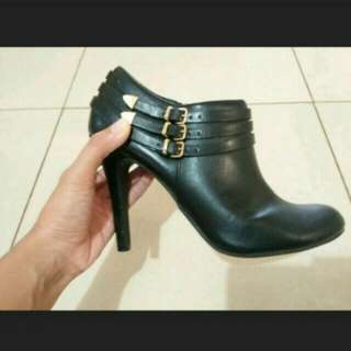 Boots payless fioni