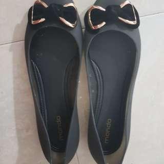 Mondo shoes size 41