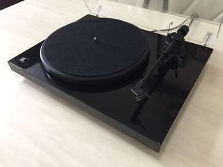Project Debut II Turntable
