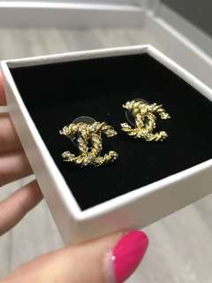 """Chanel"" twist Earrings gold with silver"