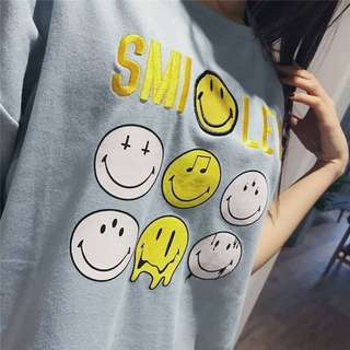🚚 031319(F) 純棉 寬鬆微笑臉字母短袖t恤( 不是很薄的T , 有點厚度, 會挺)