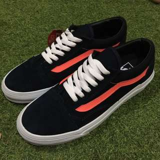 Vans old skool black orange stripe