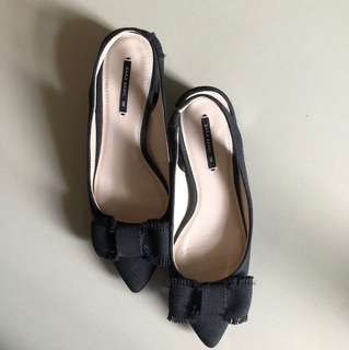 Selling low! My Pre-loved Zara Basic sling back, toe pointed black shoes. ❤️