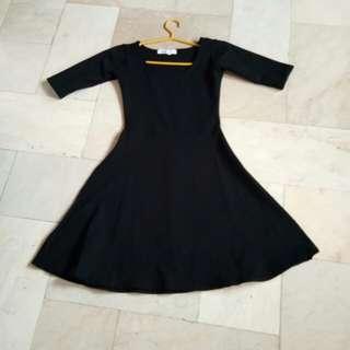 H&M black 3/4s dress