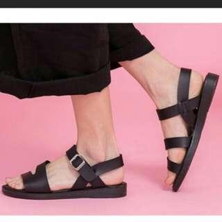 全新商品-涼鞋25