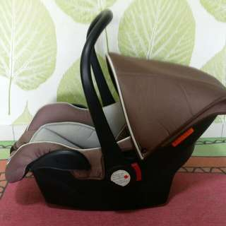 Sweetcherry Baby Car Seat / carrier