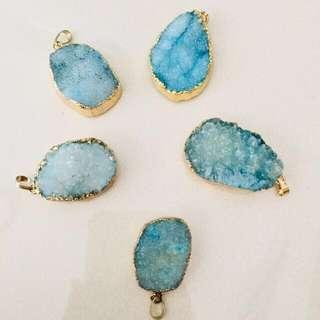 59pcs for $50 // $1 each - blue druzy stone pendant (gold)
