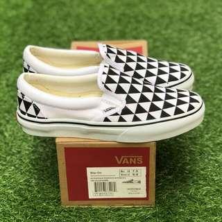SLIP ON STOCKHOLM BLACK WHITE  PREMIUM WAFFLE ICC BNIB (Brand New In Box) FULL TAG BARCODE MADE IN CHINA 39/40/41/42/43