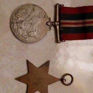 Medal perak dan gansa british
