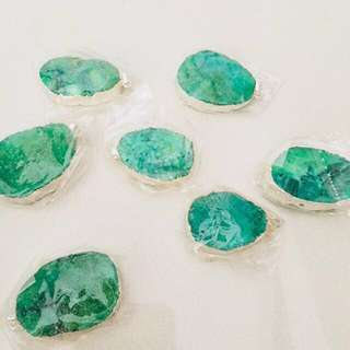 $6 for 7pcs // $1 each - emerald green druzy stone pendant (silver)