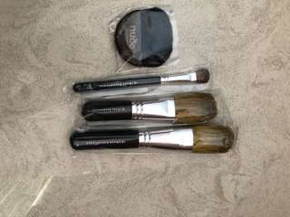 Make up brushes $20 for all 4