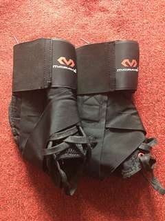 Ankle Support w/ Straps Size Large