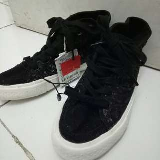 Shoes Zara kid ( size 34)