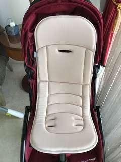 👶🏻 Stroller Seat.