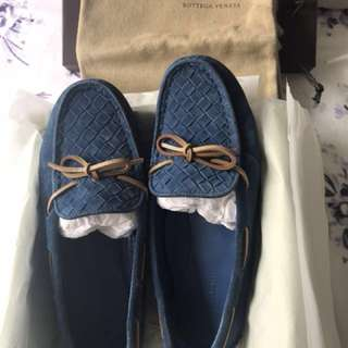 BV suede flat shoes