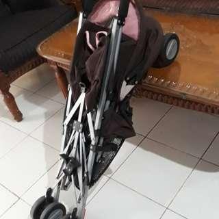 PRELOVED stroller maclaren quest