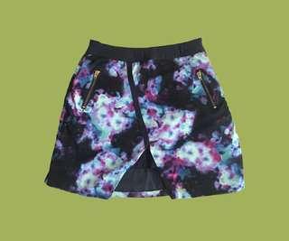 Highwaisted origami-style mini skirt
