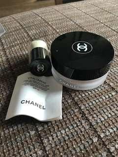 Chanel Vitalumière Loose Powder Foundation with mini kabuki brush SPF15