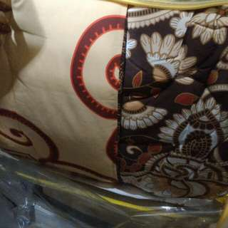 Bed Cover motif bunga coklat