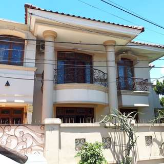 DISEWAKAN Rumah 2 Lantai, Lokasi Strategis di CILANDAK