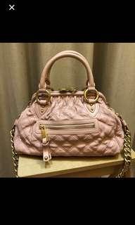 Marc Jacobs 粉红餃子袋