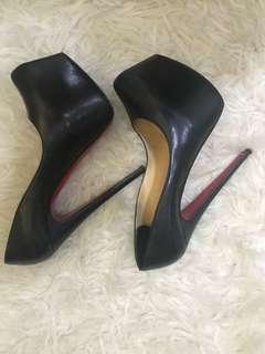 Christian Louboutin shoes size 39 1/2