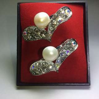 Original Pearl Brooches. (Kerongsang)