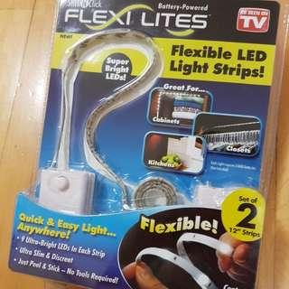 LED 衣櫃燈, 無需插電,三粒3A電運作,一盒兩條,每條12吋,$50一件