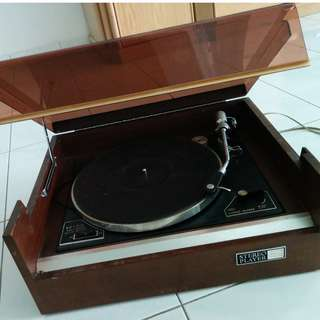 Antique Turntable for Playing Music