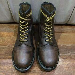 Sepatu shoes Dr. Martens 1460 Aztec Crazy Horse Original Preloved