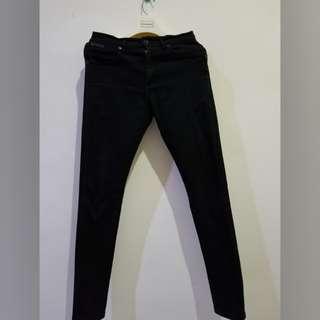 Jeans Wrangler Hitam asli