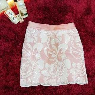 Renda skirt