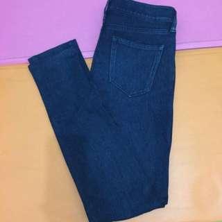 Uniqlo深藍色牛仔褲