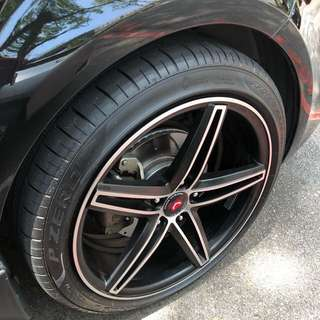 "18"" Vossen CV5 rims with tyres"