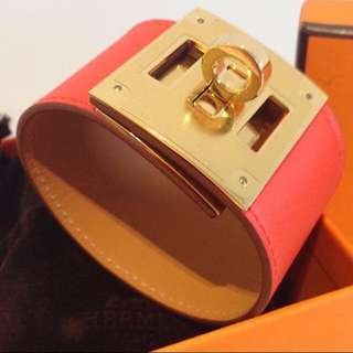 Hermes Kelly Dog Leather Bracelet. New. Red/gold. 全新愛馬仕手帶 紅色金扣有盒