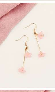Dainty flowers earrings