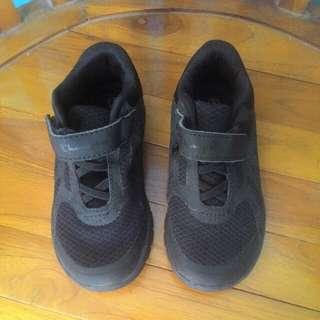 Sepatu Champion size 9