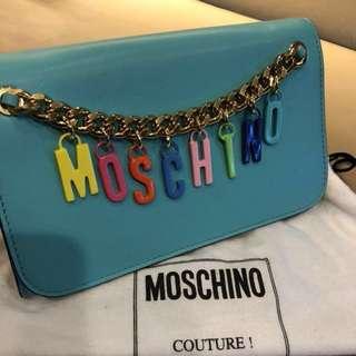 MOSCHINO斜挎小包  9成新 顏色夠sharp  Tiffany blue非常好睇