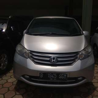 Honda freed psd at 2010 silv