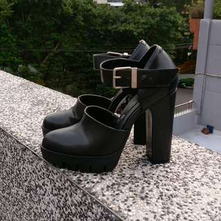 免運很新👍 ZARA 微尖頭防水台粗跟鞋 高跟鞋 輪胎紋 扣帶設計 百搭 歐美風 高跟鞋 BERSHKA GUESS