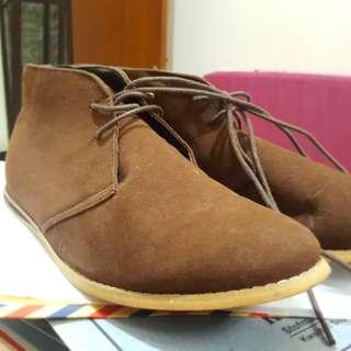 Sepatu Boots Cotton on bagus