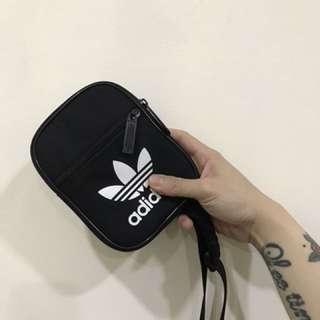 愛迪達adidas三葉草小包 韓國必備 九成新