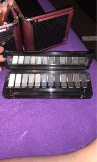 Smokey eyeshadow palette